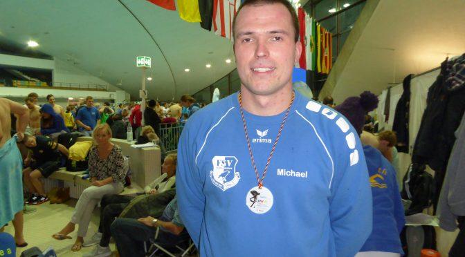 Der Nienburger Schwimmer Michael Ritter holt überraschend Bronze bei den 7. Deutschen Kurzbahnmeisterschaften der Masters in Hannover