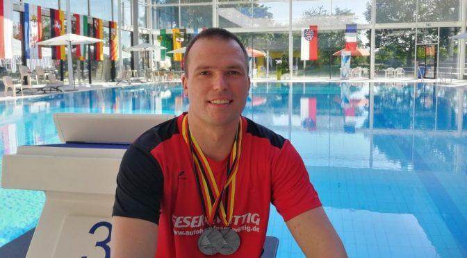 2 Silbermedaillen für den Nienburger FSV-Schwimmer Michael Ritter  bei den 51. Deutschen Meisterschaften der Masters in Karlsruhe
